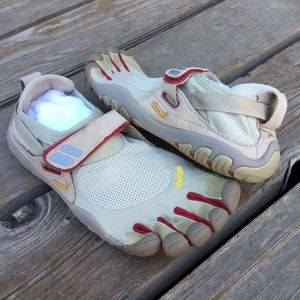Womens VIBRAM TREKSPORT Five Finger Barefoot shoes